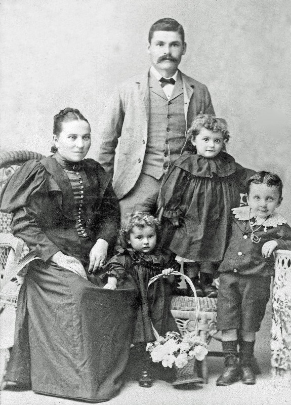 Jacobsen_Family_Abt_1896_2